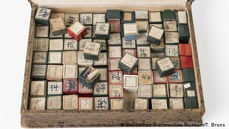 Robert Koch's microscopic specimens from East Africa (Deutsches Historisches Museum/T. Bruns )