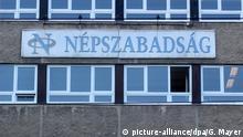 08.10.2016+++Das Gebäude der Budapester Tageszeitung Nepszabadsag, aufgenommen am 08.10.2016. Die unabhängige ungarische Traditionszeitung hat überraschend ihr Erscheinen eingestellt. Foto: Gregor Mayer/dpa (zu dpa Ungarische Oppositionszeitung «Nepszabadsag» vor Aus vom 08.10.2016) +++(c) dpa - Bildfunk+++ (c) picture-alliance/dpa/G. Mayer