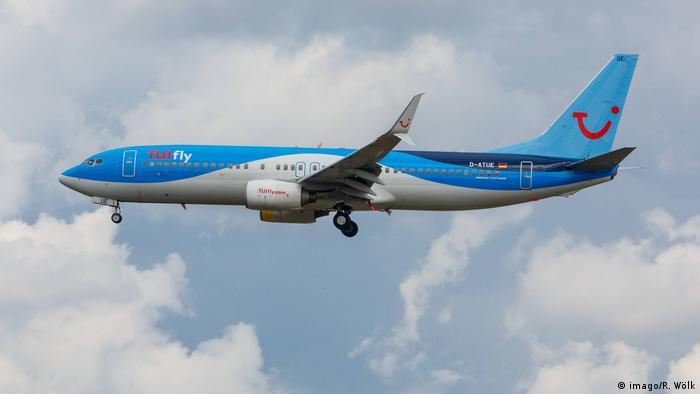 Flugzeug TUIfly (imago/R. Wölk)