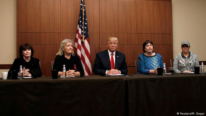 Donald Trump, Paula Jones, Kathy Shelton, Juanita Broaddrick y Kathleen Wiley.