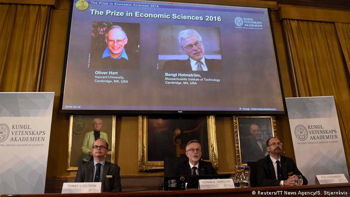 Schweden Bekanntgabe Wirtschfts-Nobelpreis 2016 in Stockholm (Reuters/TT News Agency/S. Stjernkvis)