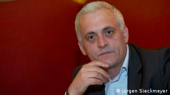 Deutschland Kosovo Beqë Cufaj DW Gastkolumnist (Jürgen Sieckmeyer)