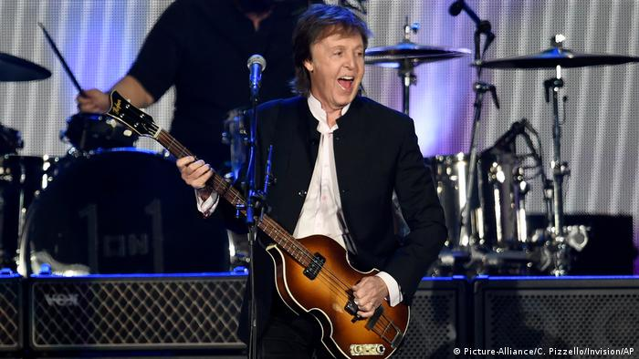 Paul McCartney 2016 At The Desert Trip Festival Picture Alliance C Pizzello