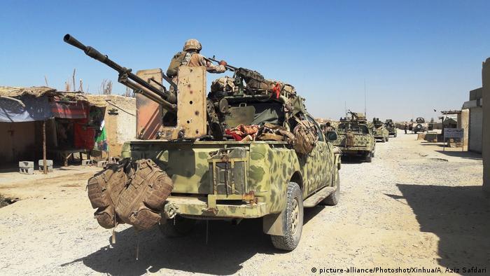 Afghanistan Militärisches Aufrüsten nach Talibanangriff in Lashkar Gah