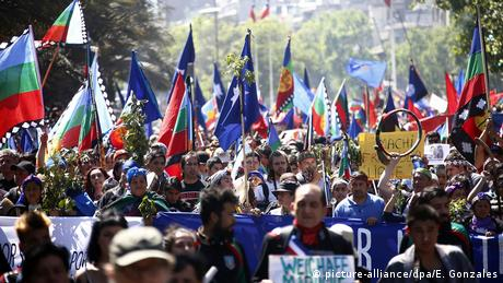 Chile Mapuche Widerstand in Santiago (picture-alliance/dpa/E. Gonzales)