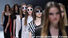 Modenschau von seenbefore am 21.01.2016 in Berlin auf dem Lavera Showfloor während der Berlin Fashion Week im E-Werk. Foto: Jens Kalaene/dpa | Copyright: picture-alliance/dpa/J. Kalaene