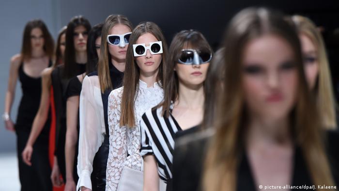 Озорные очки в стиле ретро