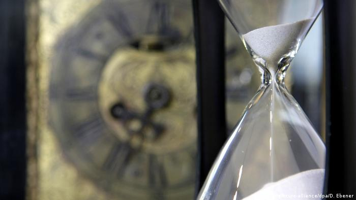 Hourglass, Copyright: picture-alliance/dpa/D. Ebener