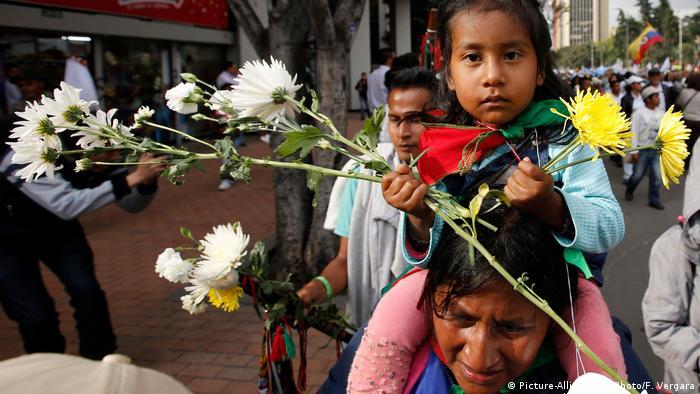 Los ciudadanos clamaron porque el presidente Juan Manuel Santos y Álvaro Uribe, feroz opositor del Acuerdo de Paz, lleguen a acuerdos comunes que permitan seguir en la búsqueda de superar un conflicto armado de más de medio siglo.