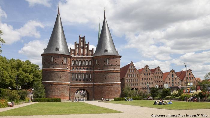 Deutschland Holstentor in Lübeck (picture alliance/Arco Images/W. Wirth)