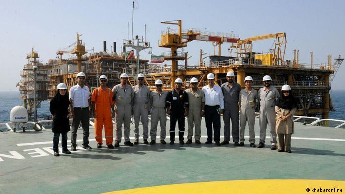 Iran Bild in Hafen mit Arbeitern (khabaronline)