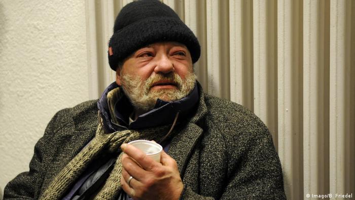 Deutschland Obdachloser Kälte Symbolbild