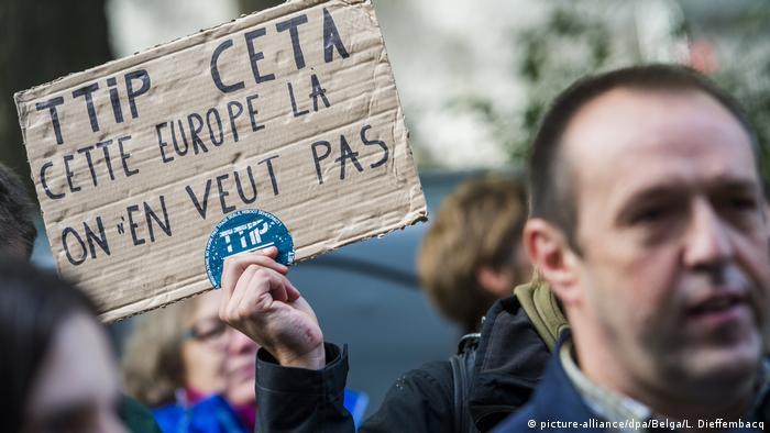 Belgien Tagung des Parlaments zu Freihandelsabkommen CETA Proteste