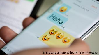 Η δυστυχία στα social media σχετίζεται με το κυνήγι των like και smileys