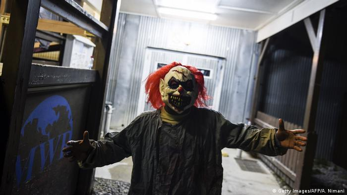 Kosovo Ferizaj - Unheimlicher Clown (Getty Images/AFP/A. Nimani)