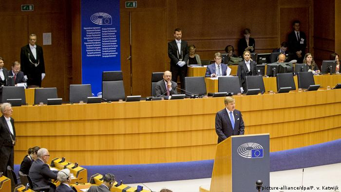 King Willem Alexander of the Netherlands speaking to the European Parliament in 2016