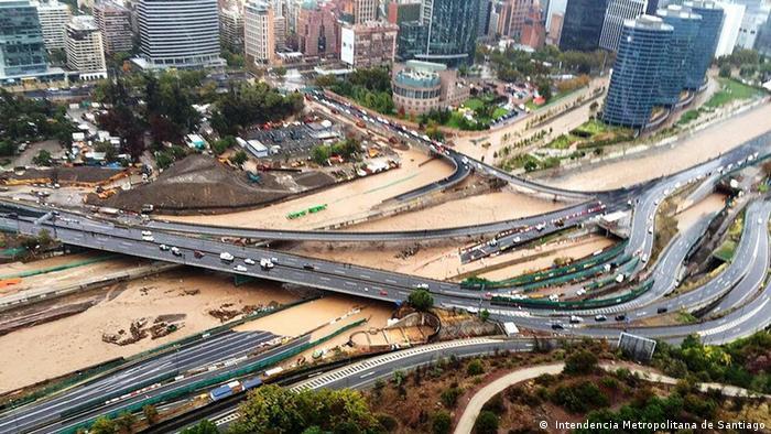 Santiago de Chile - Panorámica de Santiago duraqnte una inundación.(Intendencia Metropolitana de Santiago)