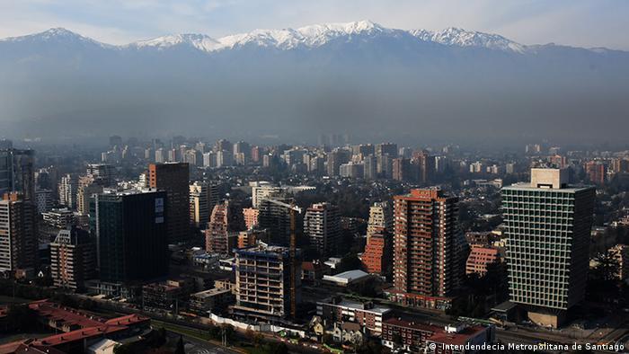 Santiago de Chile - Panorámica de Santiago y los Andes( Intendendecia Metropolitana de Santiago)