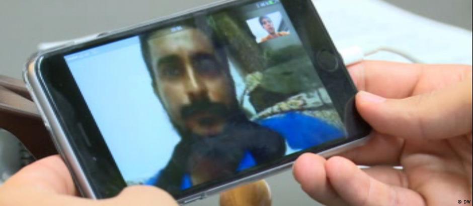 Alaa al-Bakr diz em entrevista que seu irmão foi morto pela polícia