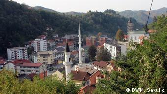 Μέχρι σήμερα η σκιά της σφαγής 8000 μουσουλμάνων βαραίνει τη Σρεμπρένιτσα