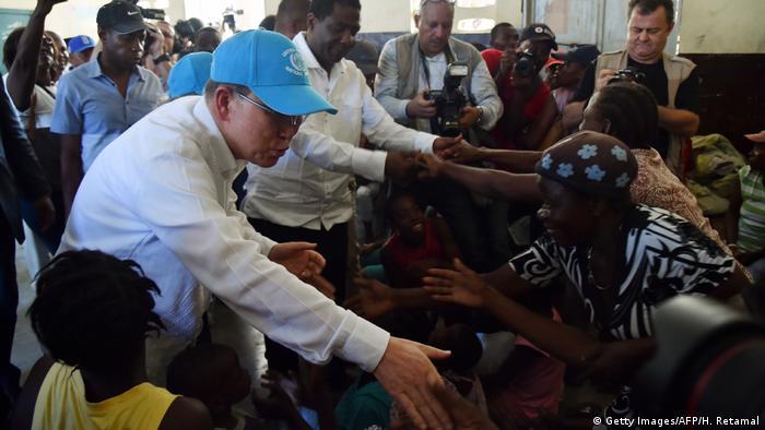 UNO-Generalsekretär Ban Ki Moon besucht Haiti (Getty Images/AFP/H. Retamal)