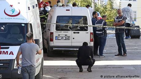 Türkei IS-Selbstmordanschlag während Razzia in Gaziantep (picture alliance/dpa/Str)