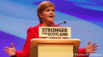 Πάγωσε τα σχέδιά της για νέο δημοψήφισμα ανεξαρτητοποίησης η πρωθυπουργός της Σκωτίας Στέρτζον