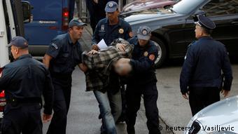 Montenegro Verhaftung in Podgorica (Reuters/S. Vasiljevic)