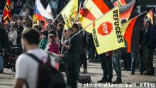 Deutschland Pegida-Demo in Dresden (picture-alliance/dpa/O. Killing)