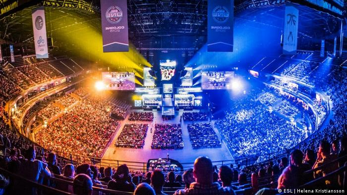 What you need to know about the four biggest eSports titles | Sports|  German football and major international sports news | DW | 19.10.2016