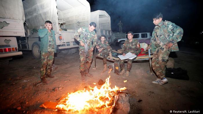 Irak Mossul Peschmerga bereiten Offensive auf IS vor (Reuters/A. Lashkari )