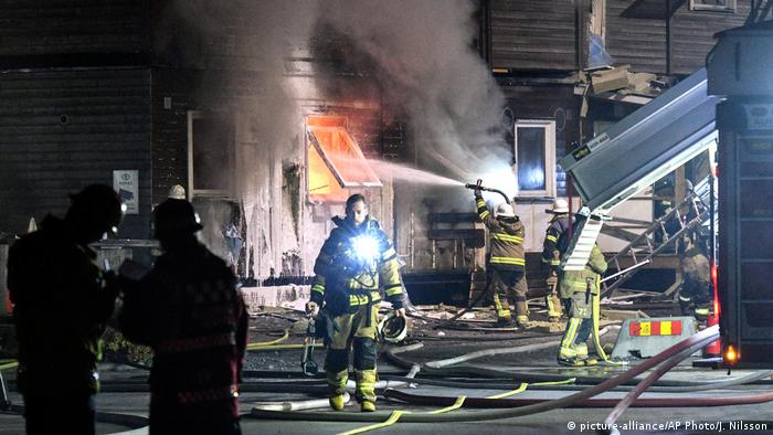 Schweden Stockholm Brand im Flüchtlingsheim (picture-alliance/AP Photo/J. Nilsson)