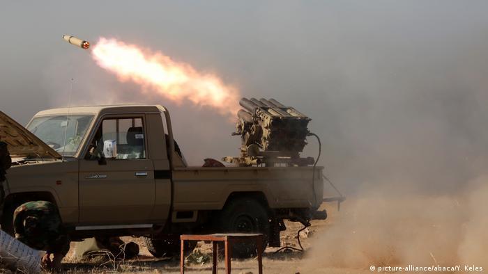 Irak Mossul Offensive der Peschmerga gegen IS (picture-alliance/abaca/Y. Keles )
