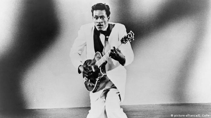 Chuck Berry 1957 (picture-alliance/E. Colle)