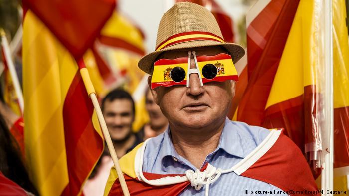 Spanien Kolumbustag 2015 in Barcelona (picture-alliance/Zuma Press/M. Oesterle)