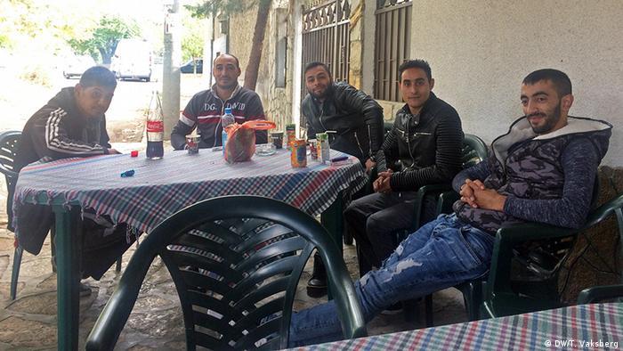 Câţiva dintre refugiaţii din Harmanli