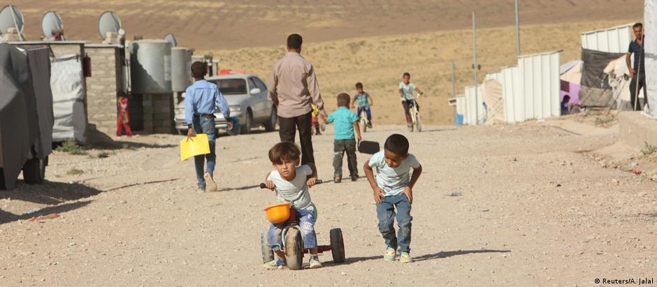 Organizações humanitárias se preparam para um grande fluxo de pessoas em fuga após início dos combates em Mossul