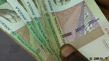 Titel: Kwanza Bildbeschreibung – Der Kwanza ist die angolanische Währung. Auf dem Bild: Kwanza-Geldscheine in Luanda. Schlagwörter: Angola, Luanda, Geld, Kwanza, Wirtschaft, Wirtschaftskrise, Währung, Geld, Geldscheine, Noten Datum - 16.08.2016 Ort: Luanda, Angola