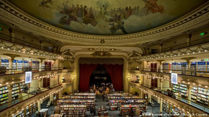 Buchhandlung El Ateneo in Buenos Aires (picture-alliance/AP Photo/V.R. Caivano)