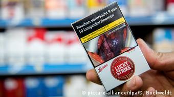 Εικόνες που προκαλούν τρόμο, αλλά δεν φαίνεται να αποθαρρύνουν τους καπνιστές