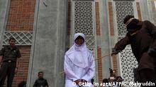 Indonesien   Scharia Polizei Bestrafung in Aceh