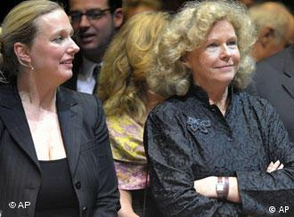 Photo of Katharina and Eva Wagner.