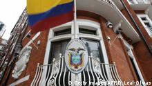 19.06.2016 A picture shows the balcony of the Ecuadorian embassy in central London on June 19, 2016, where WikiLeaks founder Julian Assange has hold up for four years. Assange started his fifth year camped out in the Ecuadoran embassy in London on June 19, an occasion his supporters were to mark with events celebrating whistleblowers. / AFP / Daniel Leal-Olivas (Photo credit should read DANIEL LEAL-OLIVAS/AFP/Getty Images)