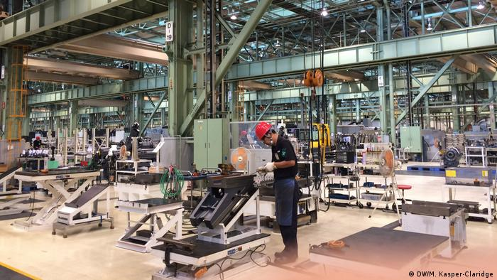 Iga production hall, Japan (DW/M. Kasper-Claridge)