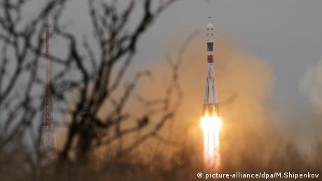 The Soyuz MS-02 launch Raketenstart Sojus (picture-alliance/dpa/M.Shipenkov)