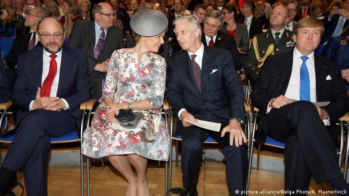 Frankfurt am Main Buchmesse Martin Schulz und Royals (picture-alliance/Belga Photo/N. Maeterlinck)