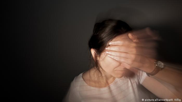 Schmerzen Chronische Kopfschmerzen (picture-alliance/dpa/O. Killig)