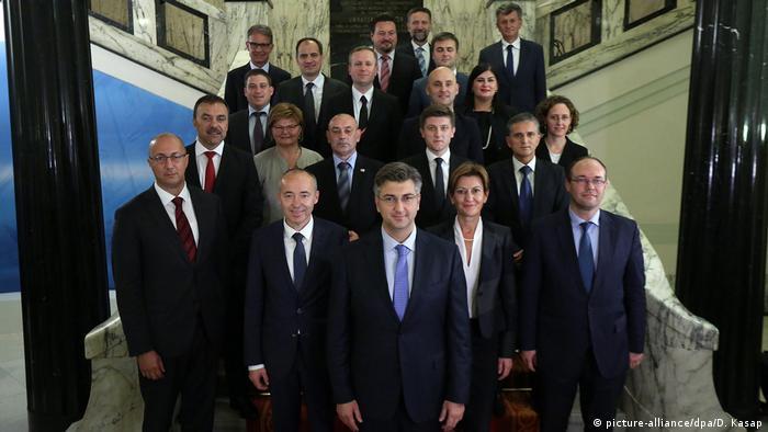 Kroatien Zagreb Gruppenfoto neue Regierung
