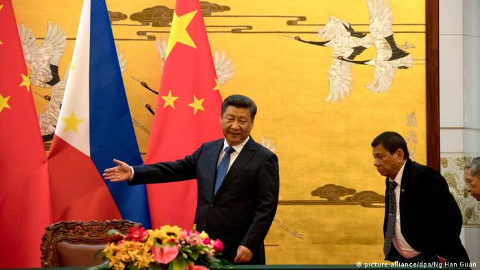China Peking Staatsbesuch Philippine President Rodrigo Duterte visits China (picture-alliance/dpa/Ng Han Guan)