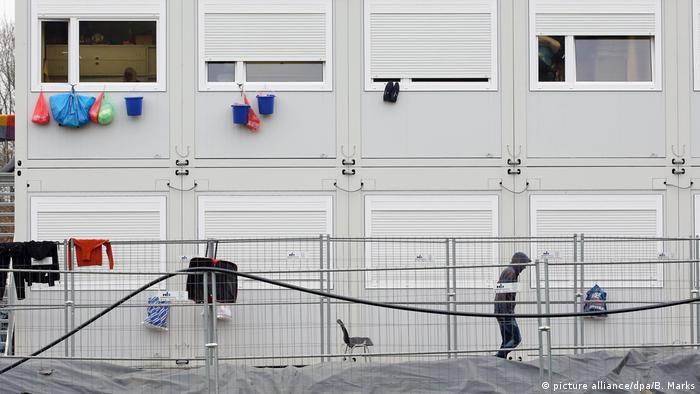 Deutschland Flüchtlingsunterkunft in Hamburg-Bahrenfeld